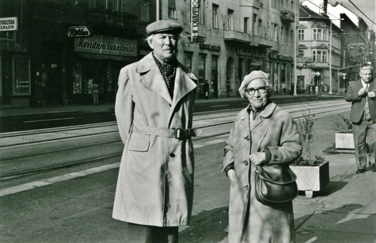 L.T. feleségével, Ibolyával (1906-1992)<br> 1978. október Mártírok útja, Fotó Kazinczy János Árpád