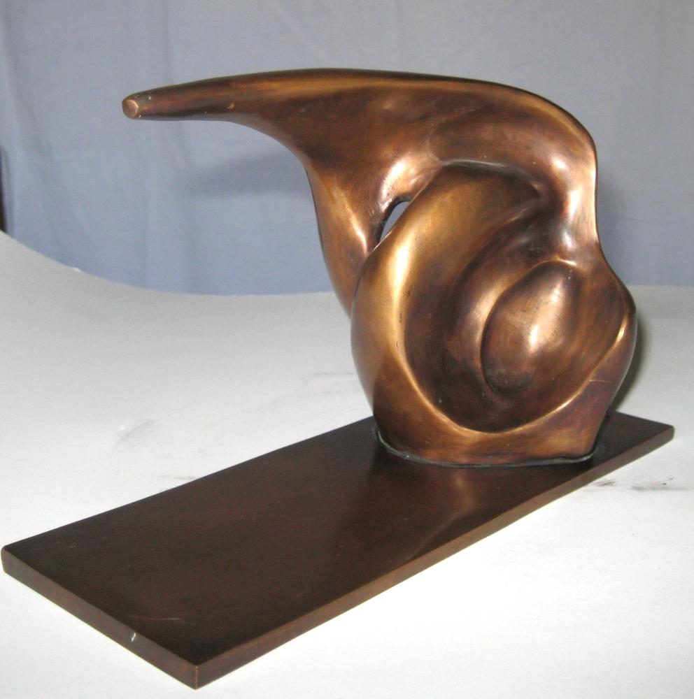 68-1<br/><b>Cím:</b> Neszre figyelő / Listening to a Noise<br/><b>Méret (cm):</b> 13,5x18,5x11<br/><b>Év:</b> 1970-es évek<br/><b><br/>
